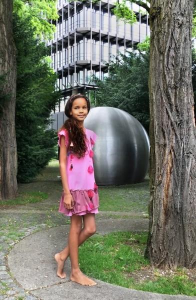 Die Designerin Julia Sterzenbach geht mit dem Trend – modern, originell, hochwertig verarbeitet und alles aus ökologischer Bio-Baumwolle (Foto Petite Fashion Week)