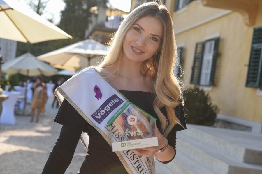 Auch Miss Austria 2016 Dragana Stankovic ließ sich die Missenwahl in der Steiermark nicht entgehen (Foto MAC/Conny Pail)