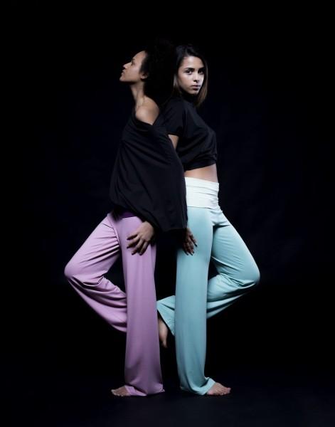 Die Natural Skin Yoga Collection von ODROWAZ wird in Österreich hergestellt und ist für dasYoga-Training, für zu Hause, in derFreizeit oder im Urlaub angenehm zu tragen (Foto Marija Kanižaj)