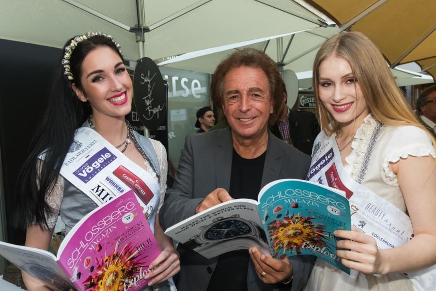 Miss Styria Andrea Jörgler, Walter Reischl und Vize-Miss Sarah Flicker mit der neuen Ausgabe des Schlossberg-Magazins (Foto Werner Krug)