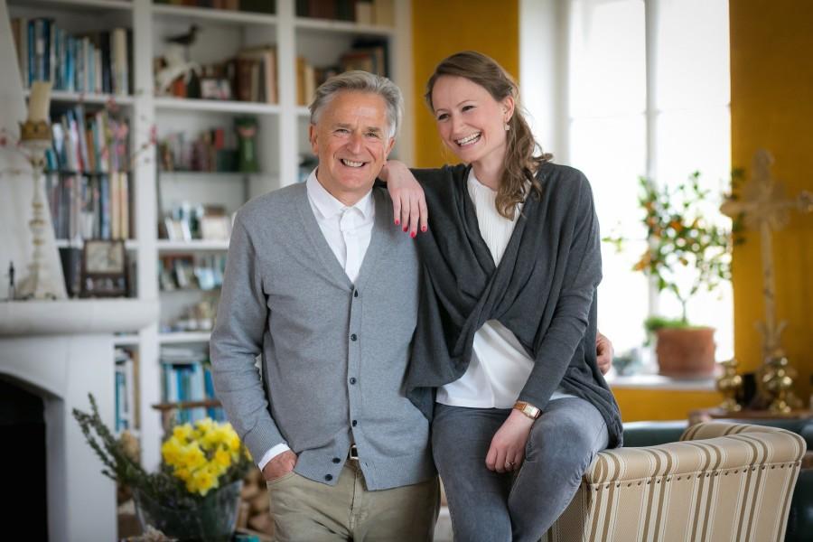 Internationale Storytelling Festival: Initiator Folke Tegetthoff mit seiner Tochter Tessa, seit 2011 Hauptorganisatorin des Festivals (Foto Oliver Wolf)