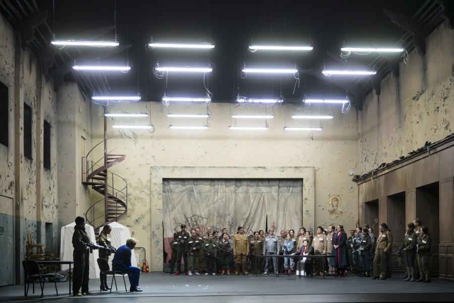 Das tolle Bühnenbild ist von Martina Segna, die Kostüme wählte Adriane Westerbarkey und für das perfekte Licht war Adam Silverman verantwortlich (Foto Werner Kmetitsch)