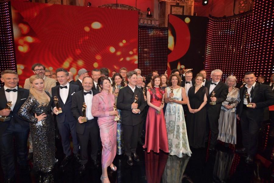 Die 28. KURIER ROMY® Gala fand in den schönen Räumlichkeiten der Wiener Hofburg statt und wieder einmal wurden Österreichs Film- & TV Stars gefeiert (Foto Kurier)