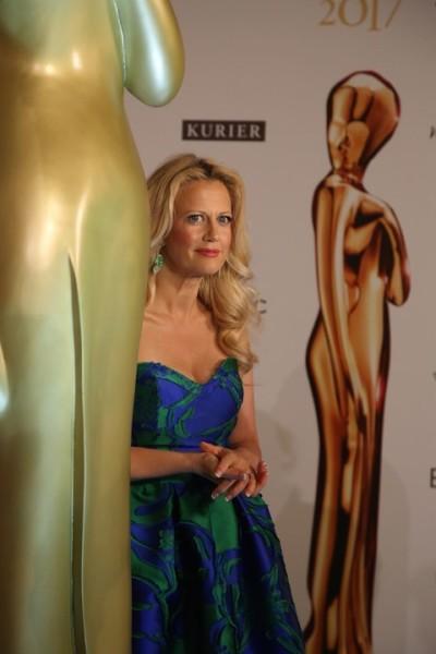 Moderatorin Barbara Schöneberger: 2016 erhielt sie eine ROMY, heuer war sie wieder nominiert (Foto Kurier)