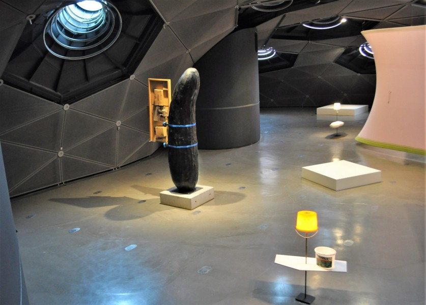 Erwin Wurms Arbeit Der Gurk ist aus wertvoller Bronze gegossen, hat eine stattliche Größe von über vier Metern und wiegt 445 Kilogramm (Foto Reinhard Sudy)