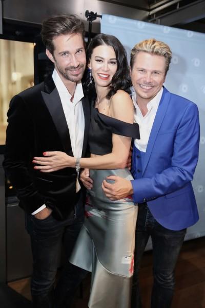 Die STYLE UP YOUR LIFE!-Herausgeber Michael Lameraner und Adi Weiss mit Top-Model und Schauspielerin Kerstin Lechner (Foto Moni Fellner)