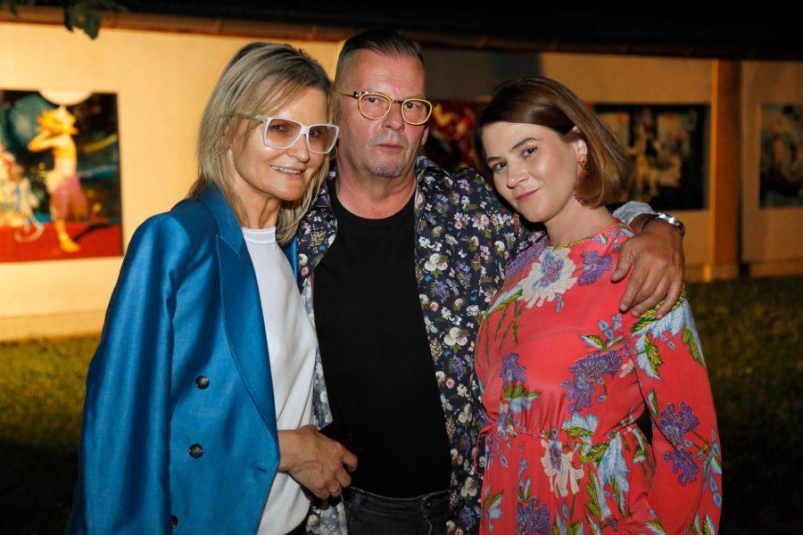 Journalistin und Bloggerin Hedi Grager (li) mit dem großartigen Künstler Werner Stadler und seiner Kerstin (Foto Manfred Lach)