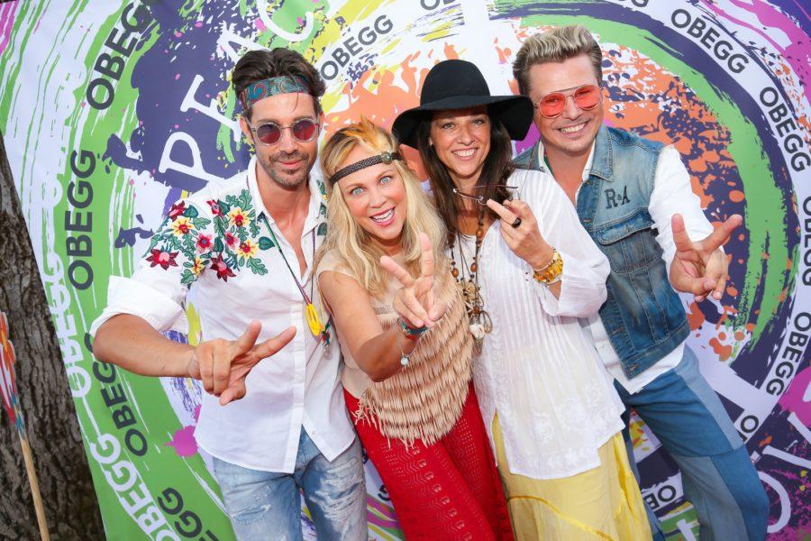 Michael Lameraner und Adi Weiss konnten auch ORF-Star Vera Russwurm und Schauspielerin Sonja Kirchberger bei ihrem zweiten OBEGG-Fest begrüßen (Foto Moni Fellner)