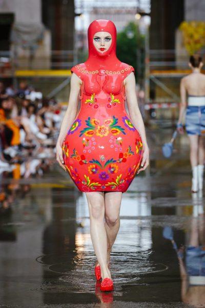 Fashion Show Marina Hoermanseder auf der Berliner Fashion Week: Eine russische Matrjoschka war diesmal der Ausgangspunkt für ihre Kollektion (Foto Stefan Kraul)