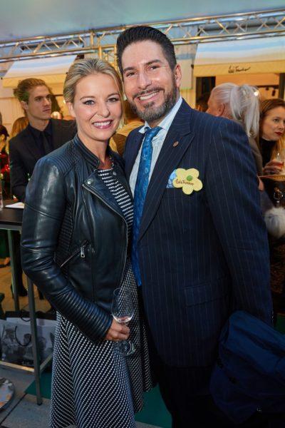Auch Schauspielerin Christine Reiler und Opernsänger Clemens Unterreiner waren bei der Eröffnung des Luis Trenker Shops in Wien dabei (Foto Starpix / Alexander Tuma)