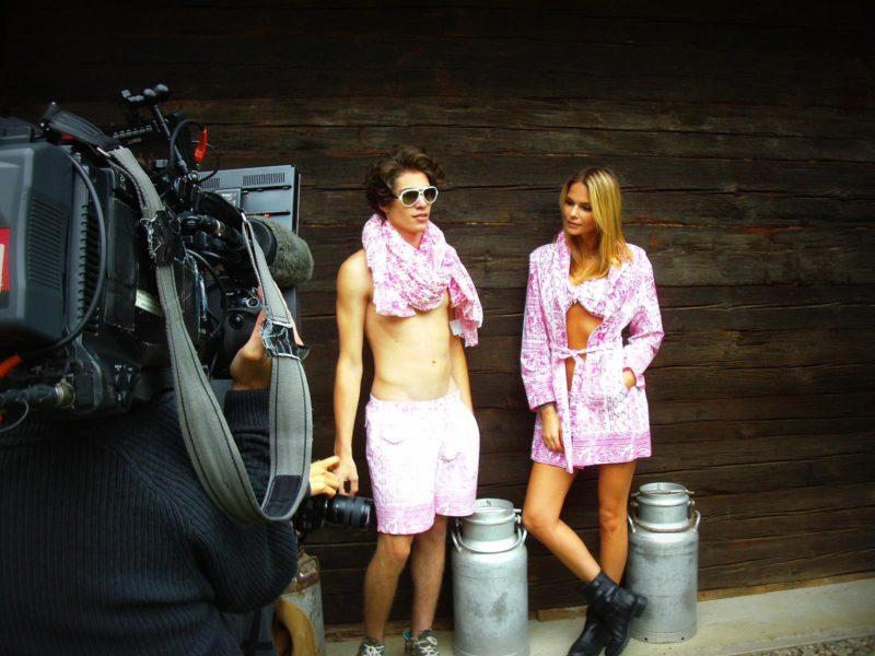 Mit Badehosen, Bikinis und Bademäntel von Theresa Schöffel perfekt gerüstet für die Badesaison (Foto Theresa Schöffel)
