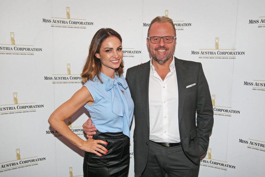 Miss Austria Corporation Geschäftsführerin Silvia Schachermayer und Jörg Rigger. Der Unternehmer ist mit seiner Firma Wohnbau 2000 seit Jahren Partner und seit Sommer 2017 Gesellschafter der Miss Austria Corporation (Foto MAC / Philipp Enders)