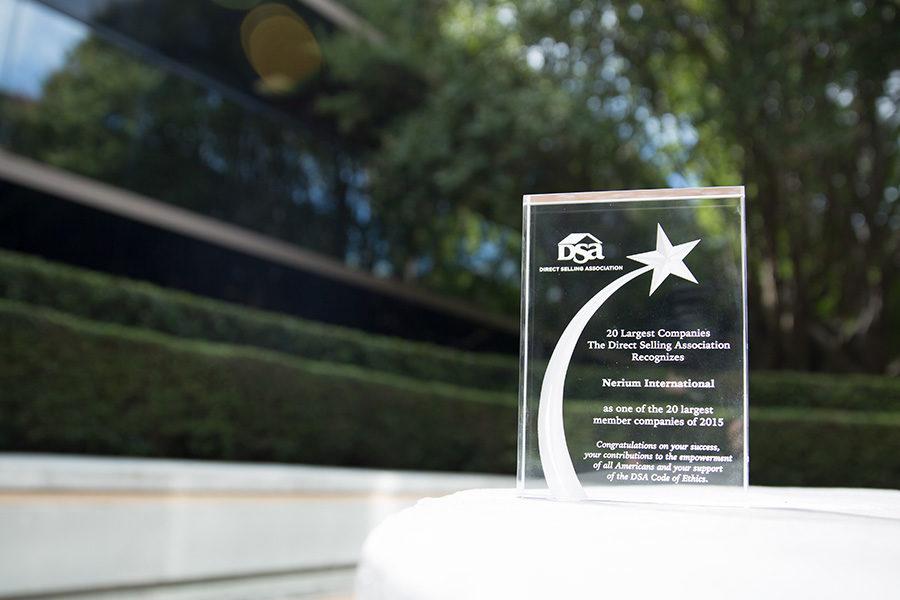 NERIUM International: Permanent vorne dabei in Direct Selling News Rankings, MarCom Awards für Kreativität und Inc. Magazins exklusive 500 Liste (Platz 1 Produkte und Dienstleistungen, insgesamt 12. von 5.000.)(Foto Nerium)