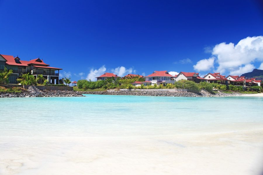 Marlies Muhr hat für ihre Kunden weltweit das richtige Objekt - hier auf Eden Island, Seychelles (Foto privat)