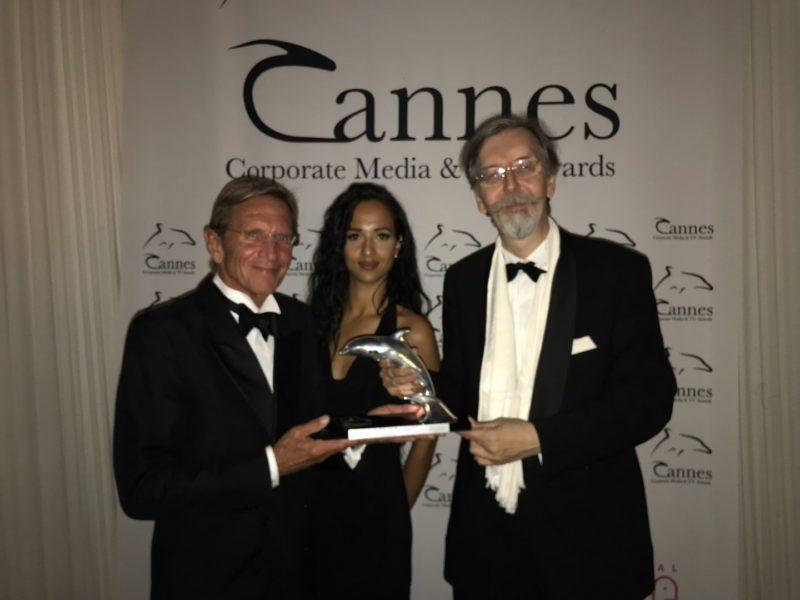 Cannes Media & TV Award 2017-Gewinner Hans Schullin mit Festivaldireketor KR Alexander V. Kammel (Foto Felipe Kolm | Warda Network)