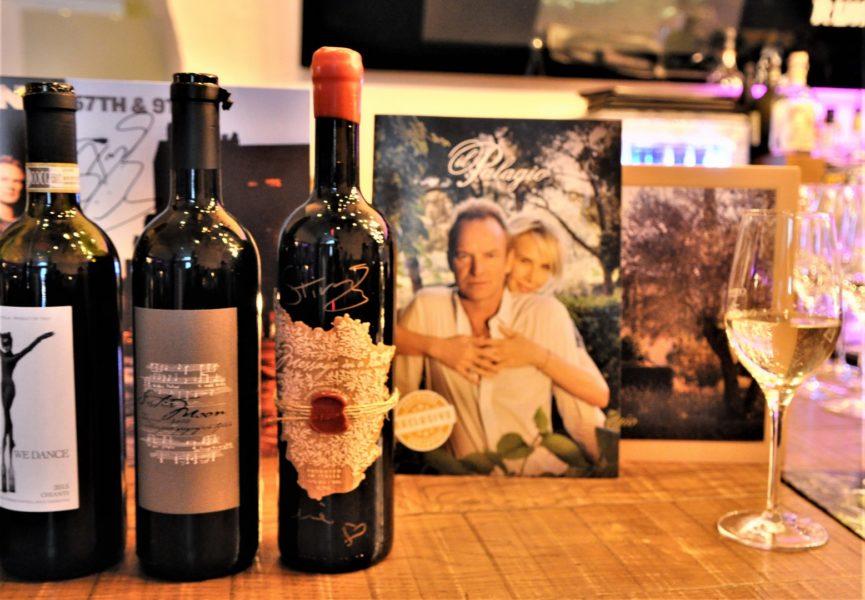 """""""Ein Wein ist wie ein Lied – er muss eine Geschichte erzählen. Deshalb habe ich meine Weine auch nach meinen größten Hits benannt"""", so STING. Erhältlich sind die Weine über den OnlineShop www.sting.wine sowie in allen el Gaucho-Restaurants der Familie Grossauer (Foto Reinhard Sudy)"""