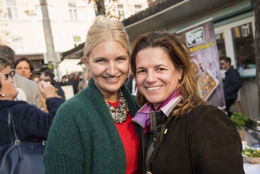 Herti Grossauer-Widakovich und Wein-Expertin Sabine Flieser-Just (Foto Werner Krug)