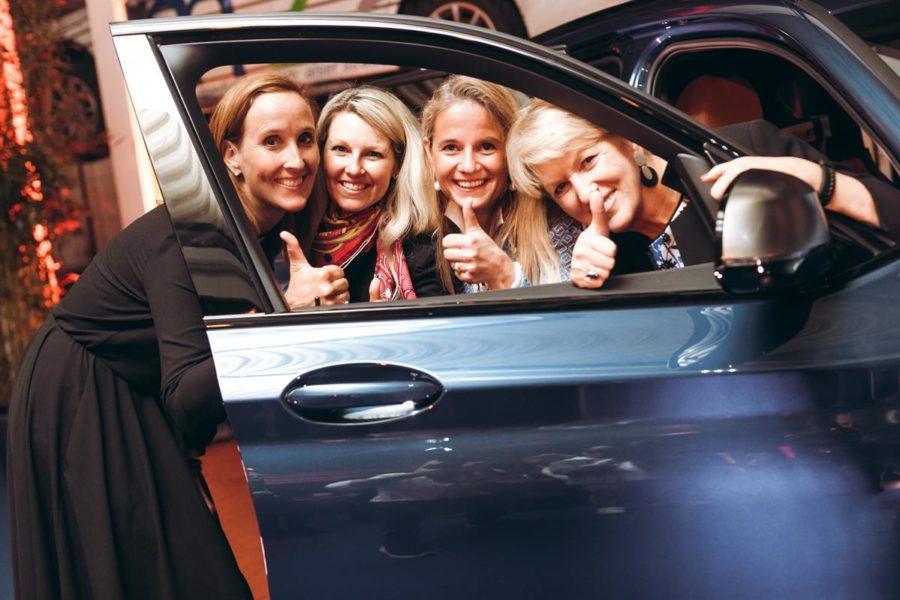 """BMW Wien launchte den neuen BMW X3 und gab den Startschuss zur neuen Plattform von BMW Wien """"für SIE."""". Tatjana Bister (GF BMW Wien), Ulrike Lackner-Stauchner (Wiener Wunderweiber), Gerlinde Layr-Gizycki und Maria Rauch-Kallat (Foto Philipp Lipiarski)"""