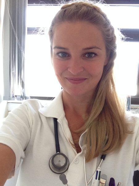 """Christine Reiler: """"Ende 2017 bin ich mit meiner Turnusausbildung fertig geworden und seither endlich Ärztin für Allgemeinmedizin. Das war ein wunderschöner Moment."""" (Foto privat)"""