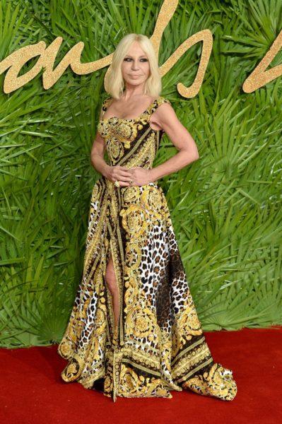 Designerin Donatella Versace bekam bei den Fashion Awards 2017 in Partnerschaft mit Swarovski den Sonderpreis für die innovativste Arbeit (Photo by Jeff Spicer/BFC/Getty Images)