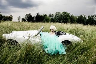 Fotostrecke: Model Lisa Tritscher / Mode Eva Poleschinski / Schmuck Schullin (Foto Eva Maria Guggenberger)
