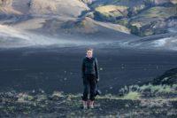 Designerin Eva Poleschinski bei einem ihrer Island-Besuchen (Foto Oliver Rathschueler)