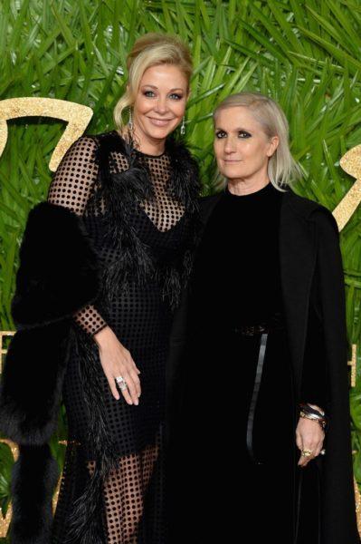 Maria Grazia Chiuri, hier mit Nadja Swarovski (li) erhielt den Swarovski Award For Positive Change. Chiuri engagiert sich als erste weibliche Chef-Designerin von Dior für Female Empowerment. (Photo by Jeff Spicer/BFC/Getty Images)