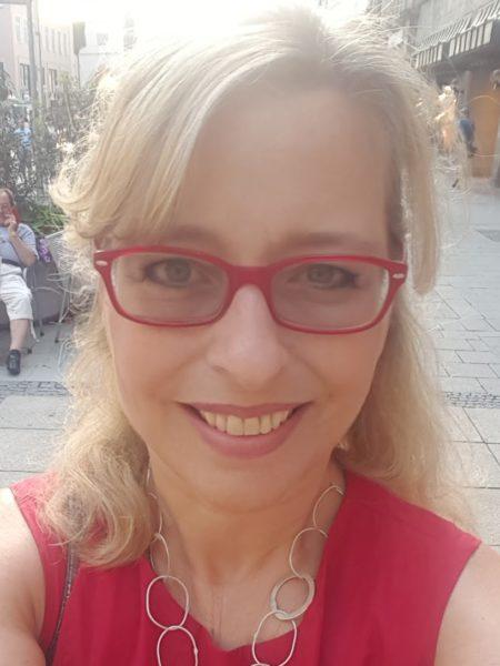 """Stella Fürst sah sich auf der Berlinale den Film """"Die Beste aller Welten"""" von Adrian Goiginger mit drei ihrer Klienten, Reinhold Moritz, Sophie Resch und Dagmar Kutzenberger, an. """"Der Film hat mich unglaublich berührt"""", so Stella. (Foto privat)"""