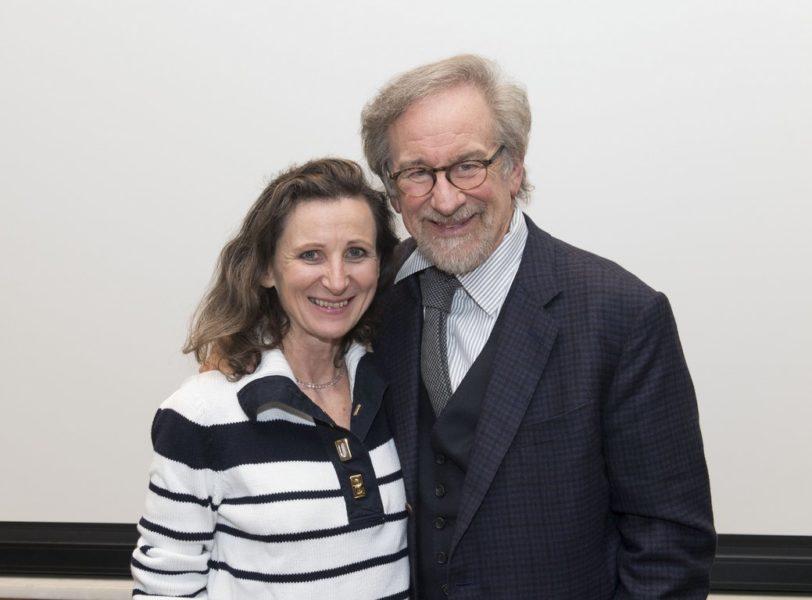 Die Journalistin Barbara Gasser mit Kult-Regisseur Steven Spielberg (Foto Magnus Sundholm for the HFPA)