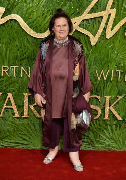 VOGUE International Editor Suzy Menkes ist die bekannteste Modejournalistin der Welt. Auch sie besuchte die Vergabe der Fashion Awards 2017 in Partnerschaft mit Swarovski in der Londoner Royal Albert Hall (Photo by Jeff Spicer/BFC/Getty Images)