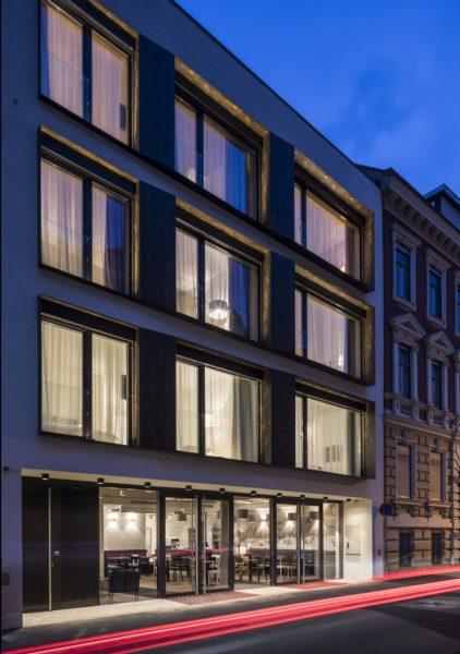Die Fassade des neuen gapsite Hotels in der Grazer Schörgelgasse 15 (Foto Walter Luttenberger)