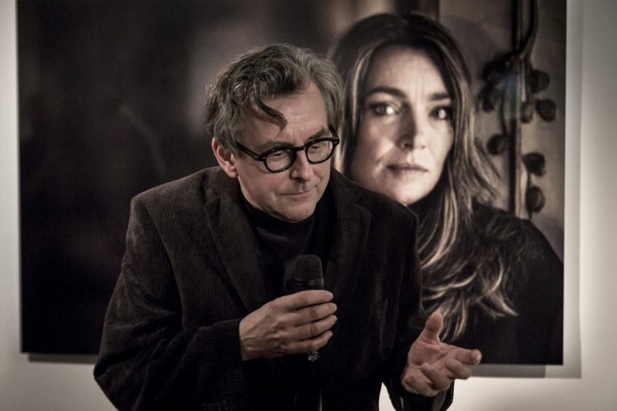 Auch Schauspieler Johannes Silberschneider kam zur Foto-Ausstellung über Aglaia Szyszkowitz im Atelier Jungwirth (Foto www.BIGSHOT.at / Nikola Milatovic)