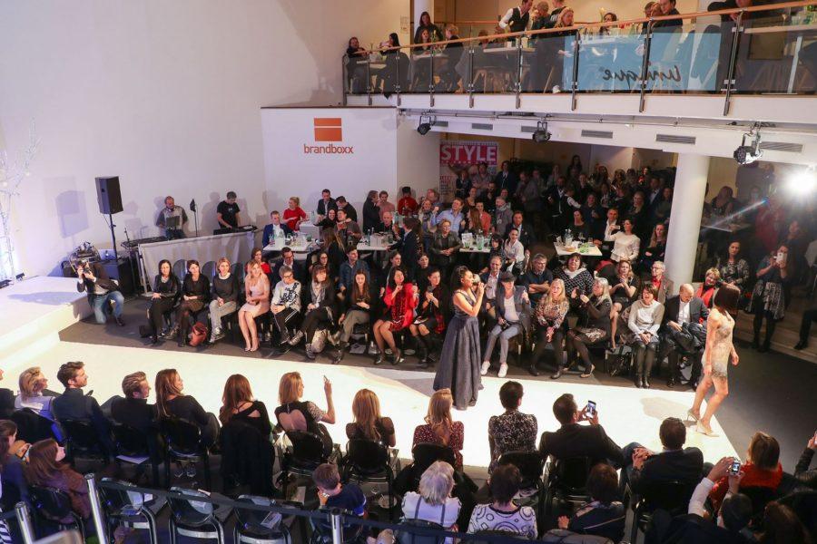 Musikalischer Höhepunkt bei der Brandboxx Salzburg Fashion Night war ein Live-Act von Musical-Star Ana Milva Gomes (Foto Franz Neumayr)