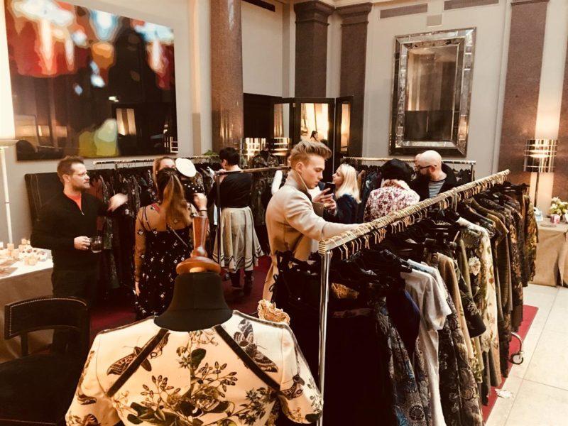 SPREAD Pop Up Showroom während der MBFW Berlin im Hotel de Rome: LENA HOSCHEK (Foto SPREAD)