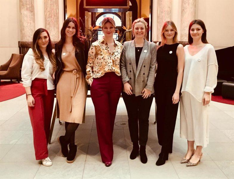Das charmante SPREAD-Team um Agentur-Chefin Cornelia Steidl (Foto SPREAD)