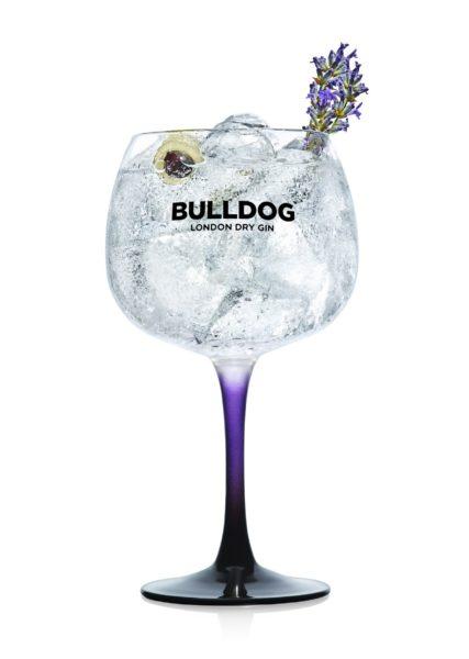 Im Jahr 2017 wurde BULLDOG von der CAMPARI Group erworben und seit 23. Februar 2018 liegt der Vertrieb von BULLDOG London Dry Gin in Österreich bei der CAMPARI Austria GmbH. BULLDOG gilt mit seiner jährlichen Wachstumsrate als einer der am schnellsten wachsende Premium Gins weltweit (Foto CAMPARI)