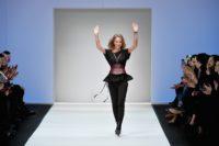 Designerin Martina Mueller-CALLISTI nach ihrer großartigen Show auf der MBFW Berlin im Jänner 2018 (Photo by Alexander Koerner/Getty Images for MBFW)