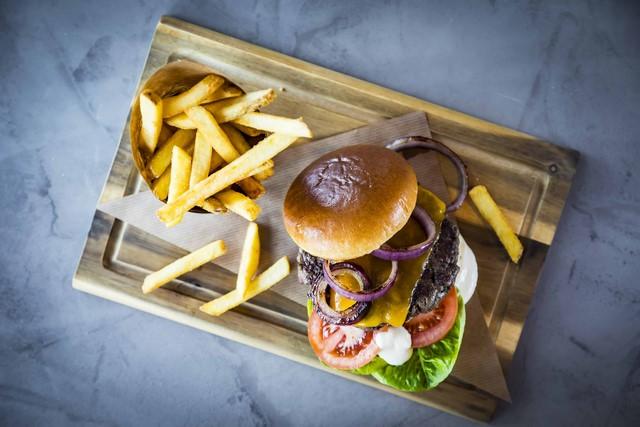Natürlich gibt es u.a. im Streets auch den Gordon Ramsay's Famous Burger. (Foto Werner Krug)
