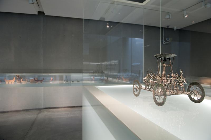 Archäologiemuseum im Schloss Eggenberg, Strettweger Kultwagen (Foto UMJ/N._Lackner)