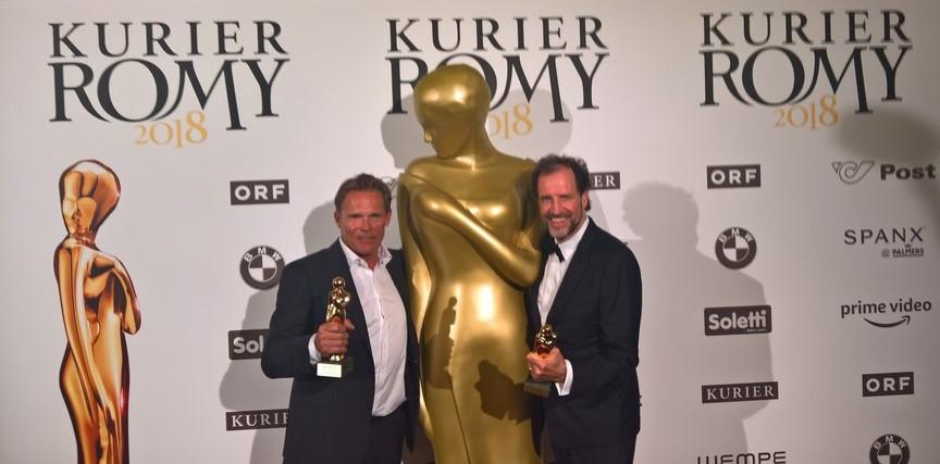 """Die ROMY® in der Kategorie """"Beliebtester Schauspieler Serie / Reihe"""" bekamen das Nominierten-Duo Christian Tramitz und Helmfried von Lüttichau für ihre Rollen als """"Hubert und Staller"""" (Foto KURIER ROMY®)"""