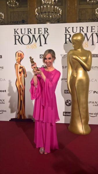 """Nadja Bernhard bekam die ROMY®in der Kategorie """"Information"""": """"Ich freue mich wahnsinnig, gerade weil ich mit so wunderbaren Frauen nominiert war"""". (Foto KURIER ROMY®)"""