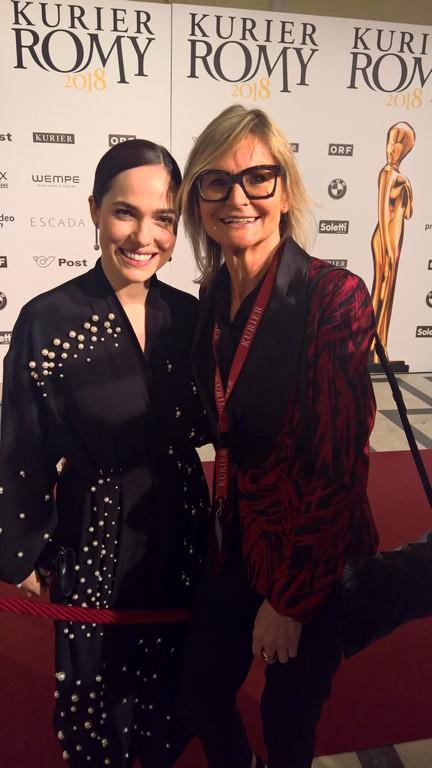 Die erfolgreiche Schauspielerin Verena Altenberger war auch für die ROMY® nominiert - hier mit Journalistin und Bloggerin Hedi Grager (Foto privat)