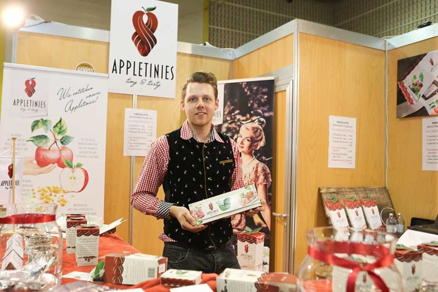 Lukas Wilfing ist das 'Gesicht' von APPLETINIES - diesen zarten Versuchungen aus Äpfeln (Foto privat)
