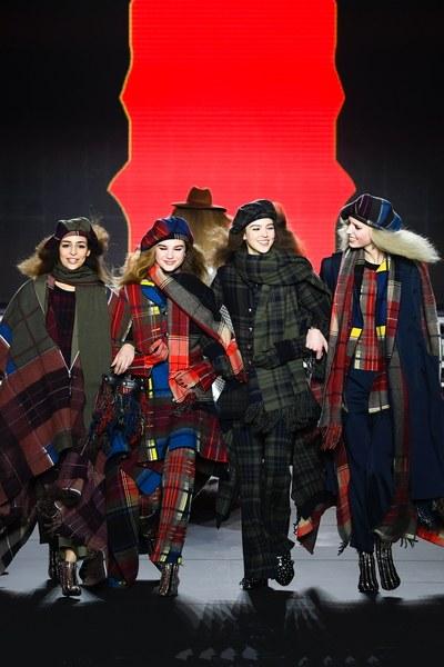 Paris Fashion Week - Show von Sonia Rykiel. Zum Jubiläum lachten und tanzten die Models (Foto Sonia Rykiel)