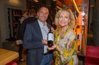 Life Ball Weinpräsentation im Wiener Do&Co: Dagmar Koller und Wolfgang Frühbauer (Foto Andreas Tischler)