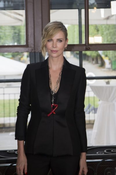 Swarovski überreichte den Swarovski Crystal of Hope Award an Charlize Theron und ihr Africa Outreach Project (Foto Swarovski)