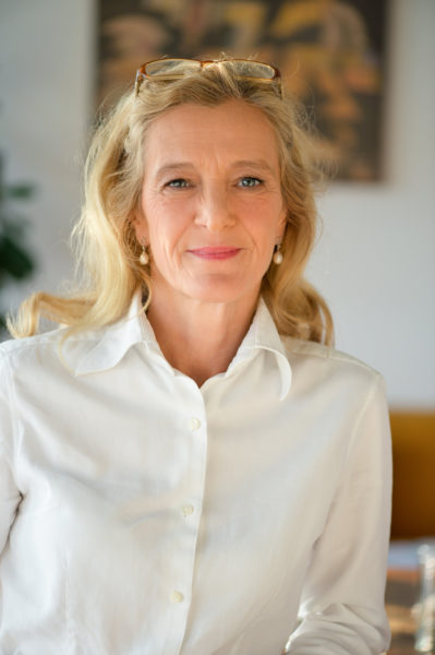 ORF-Fernsehdirektorin Mag. Kathrin Zechner: Energiegeladen, voller Tatendrang, mutig und hartnäckig gilt sie als Durchsetzerin und mächtige Frau mit sonnigem Gemüt. (Foto ORF/Thomas Ramstorfer)