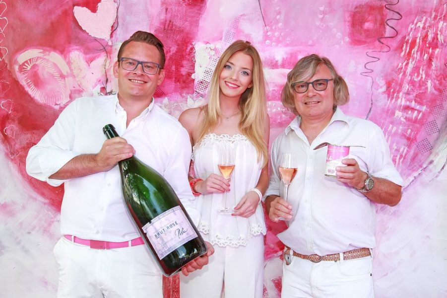 Hoteldirektor Rainer Ogrinigg, Werbestar Chiara Pisati und Winzer Walter Polz (Foto Gut Pössnitzberg)