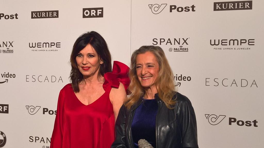 ORF Fernsehdirektorin Mag. Kathrin Zechner mit der Schauspielerin Iris Berben auf der ROMY 2018 (Foto Hedi Grager)