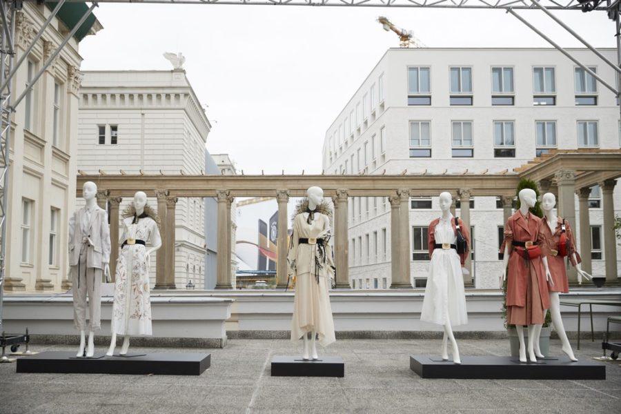Der Berliner Salon fand wieder in den schönen Räumlichkeiten und dem Garten des Kronprinzenpalais statt. Im Bild Designerin Dorothee Schumacher (Foto Getty Images für Der Berliner Salon)